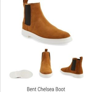 Used Men's Gucci Bent Suede Chelsea boot